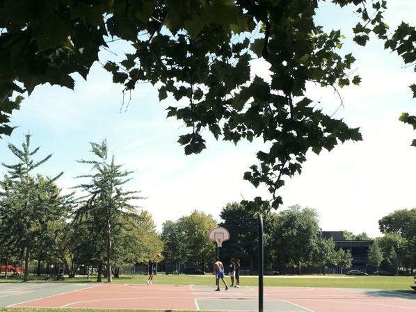 West Loop Neighborhood | FLATS Apartments | Parks