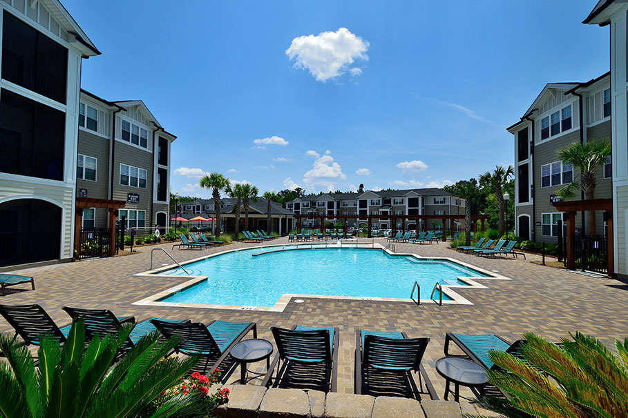 Luxury and Convenience Meet at Abberly Crossing