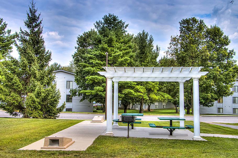 Spirited and Convenient Community Amenities at Foxridge