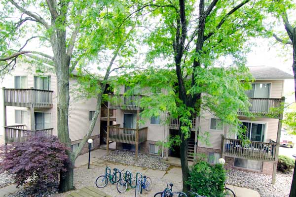 Courtyard Flatlets Apartments | East Lansing Apartments Near Michigan State University