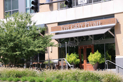 Midtown-Crossing-Apartments-Omaha-NE-68131-nearby attraction-restaurants