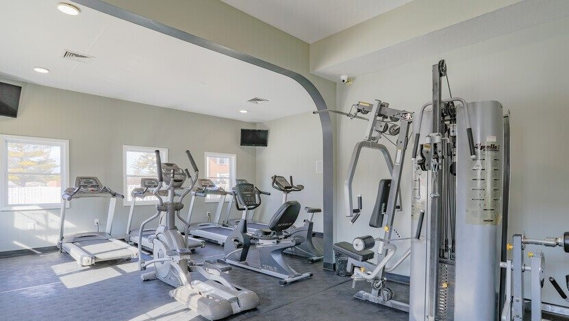 Apartments in Bloomington, IL with a fitness center