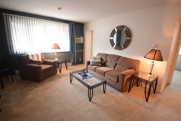 731 Burcham Apartments | East Lansing Apartments Near Michigan State University