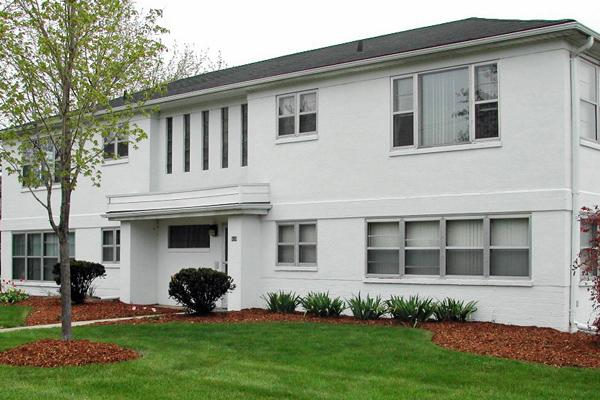White House Apartments in Lansing, Michigan