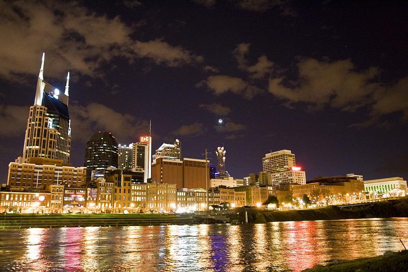 Nashville, Tennessee skyline at night