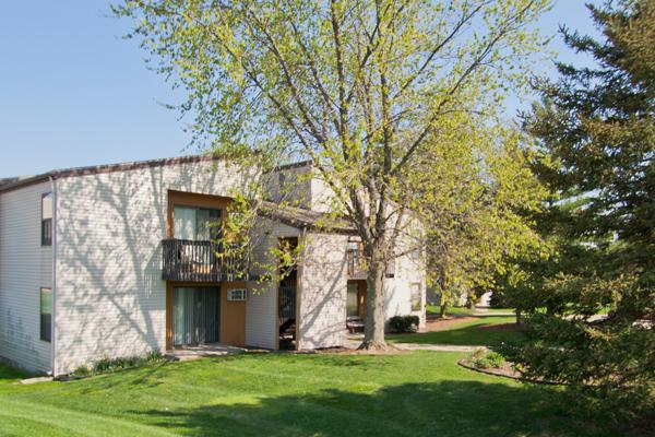 Knob Pines Apartments in Charlotte, Michigan