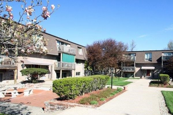 Kimberly Square Apartments in Lansing, Michigan