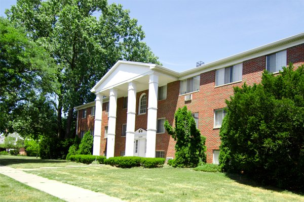 Woodruff House Apartments in Lansing, Michigan