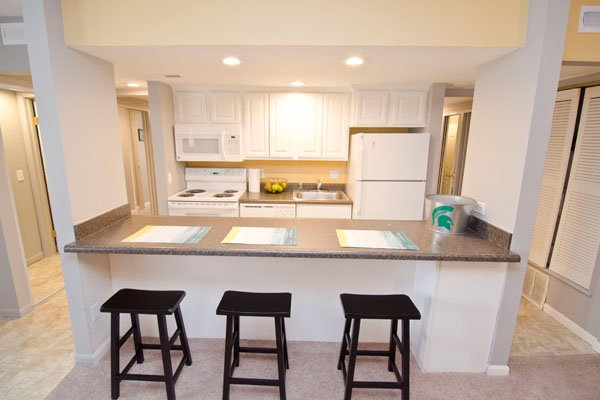 Campus Hill Apartments | East Lansing Apartments Near Michigan State University