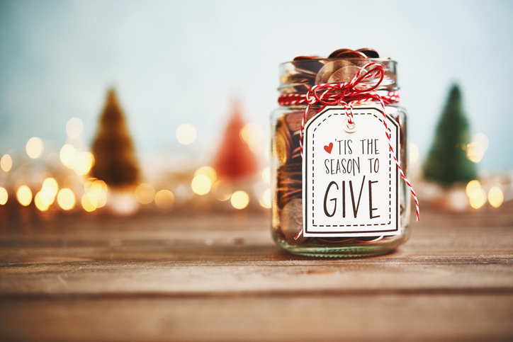 Ideas for Hosting a Holiday Party for a Good Cause