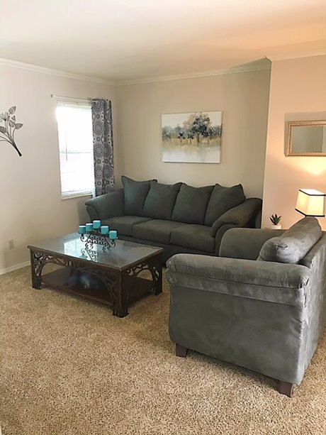 Maple Lane Executive Suites ofer fully furnished, short or long-term rentals