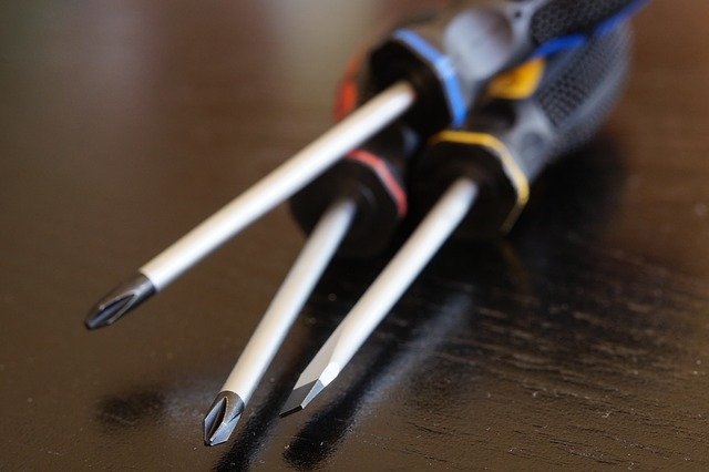 apartment renters toolbox screwdrivers