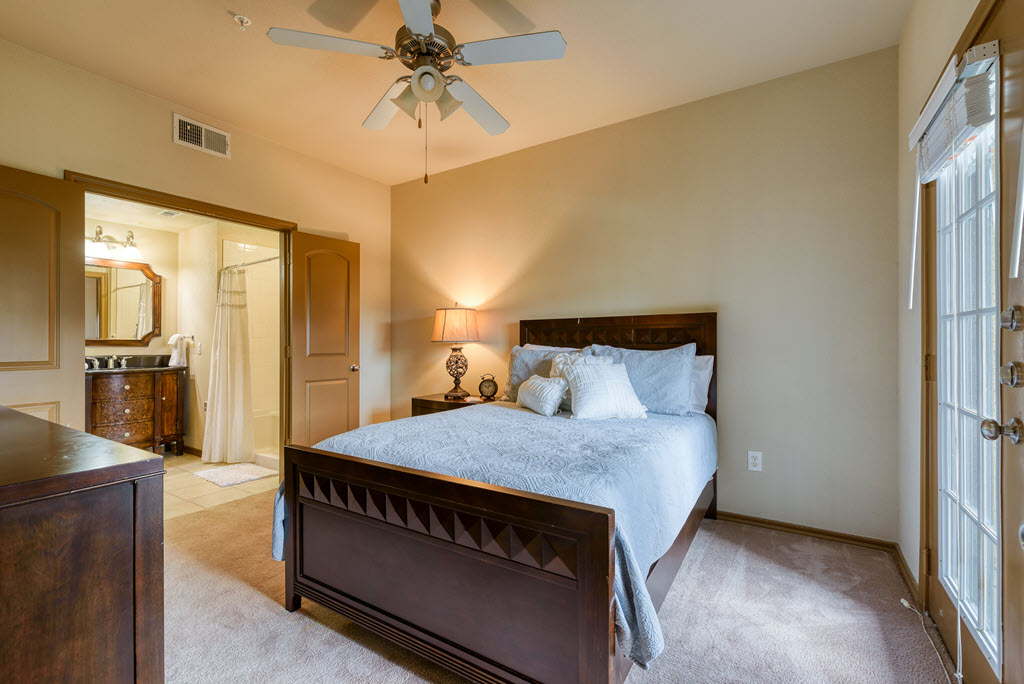 Be right at home in your new home at Aventine at Kessler Park.