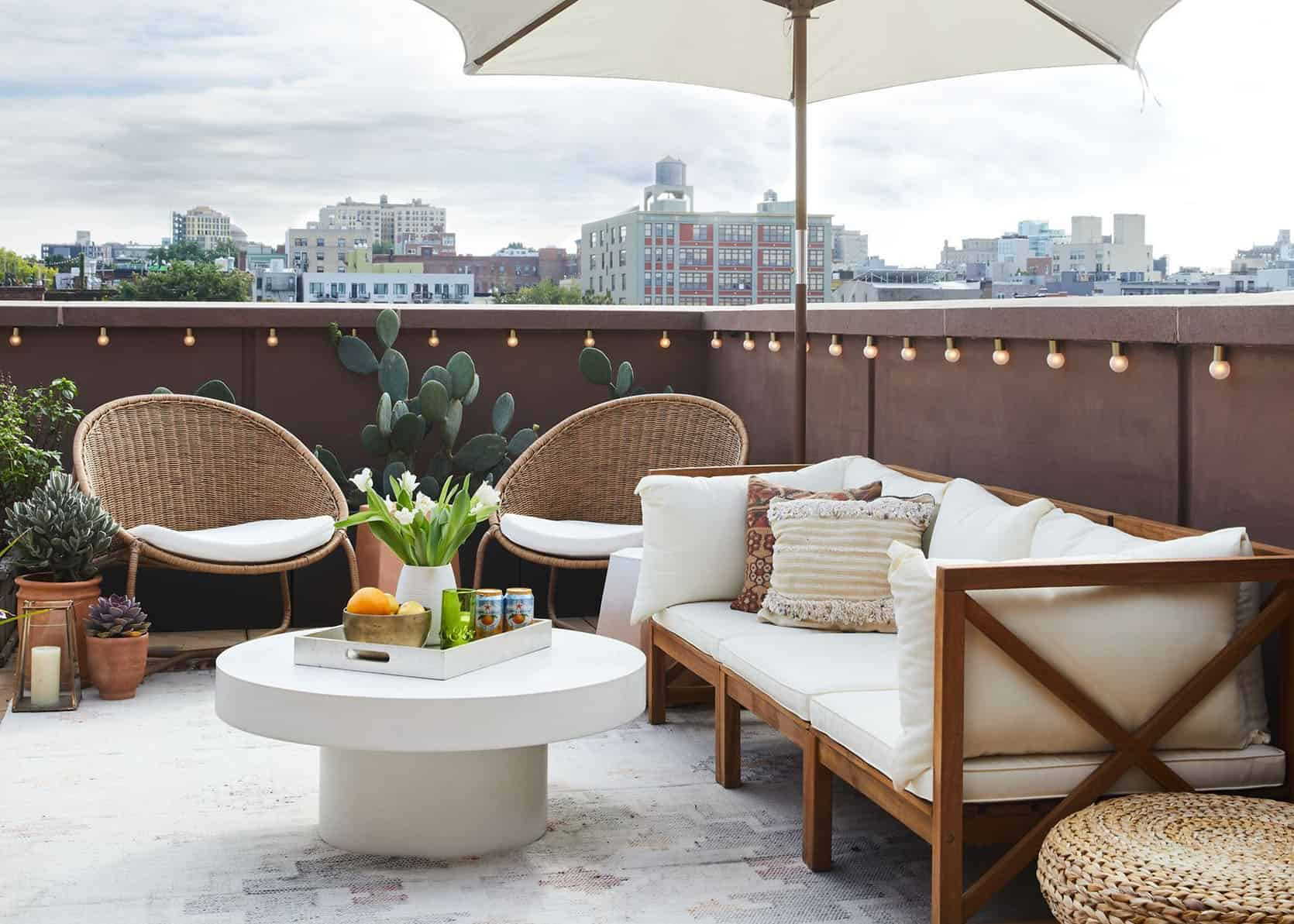 rooftop sundeck at Augusta Court apartments in houston texas