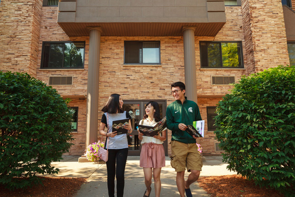 The Oaks Apartments | East Lansing Apartments Near Michigan State University