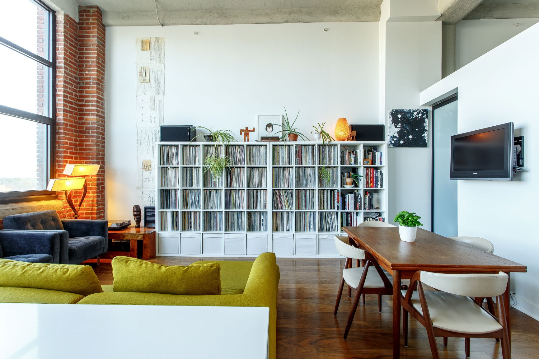 A Quick Space-Saving And Organizing Guide For Your Apartment