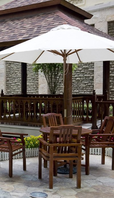 Northcrest Apartments | Apartments in Riverside, MO