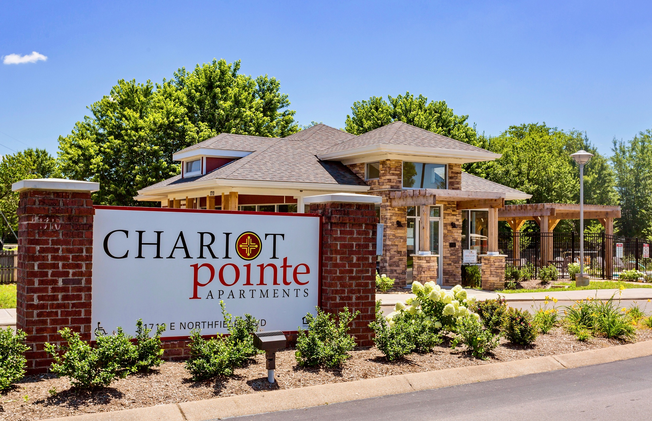 Chariot Pointe Apartments