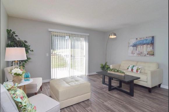 River Ridge Apartments 3638 Falling Springs Road Columbia Sc Rentcafe