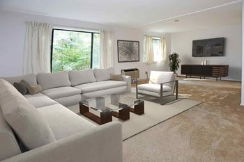 2809 West Glen Drive Studio Apartment for Rent Photo Gallery 1