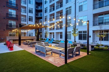 222 Stockyard Street 1-2 Beds Apartment for Rent Photo Gallery 1