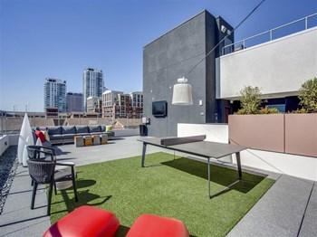 150 W Ocean Blvd Studio-3 Beds Apartment for Rent Photo Gallery 1