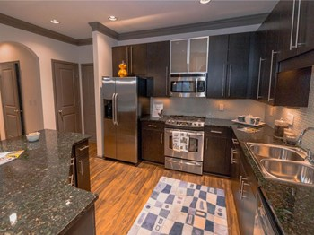 100 Perimeter Lofts Circle 1-3 Beds Apartment for Rent Photo Gallery 1