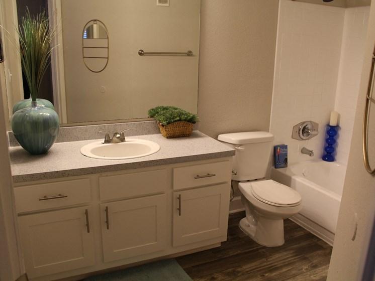 Fourteen01 Bathroom