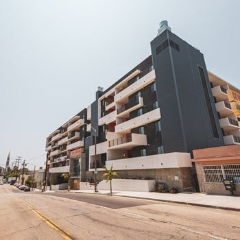 417 Centinela Avenue 1 Bed Apartment for Rent Photo Gallery 1