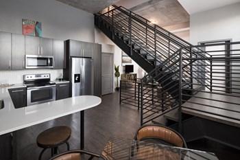 550 Park Avenue West Studio-2 Beds Apartment for Rent Photo Gallery 1