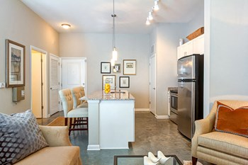 1405 Long Grove Dr Studio-1 Bed Apartment for Rent Photo Gallery 1