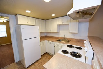 6910 Interbay Blvd 1-2 Beds Apartment for Rent Photo Gallery 1