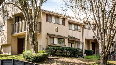 Exterior view of apartment at Laurel Grove Apartment Homes, Orange Park, 32073