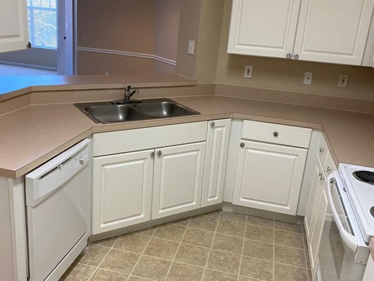 Fully Equipped Kitchen at The Palms Club Orlando Apartments, Florida, 32811-2402
