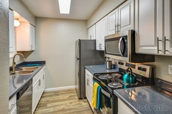 447 W. Rio Salado Pkwy 2 Beds Apartment for Rent Photo Gallery 1