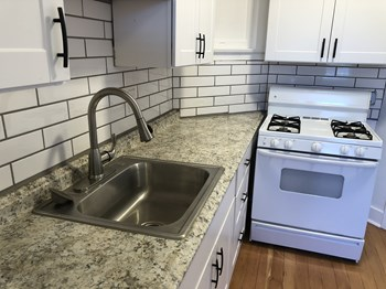 317 W. Mcdowell Studio-1 Bed Apartment for Rent Photo Gallery 1
