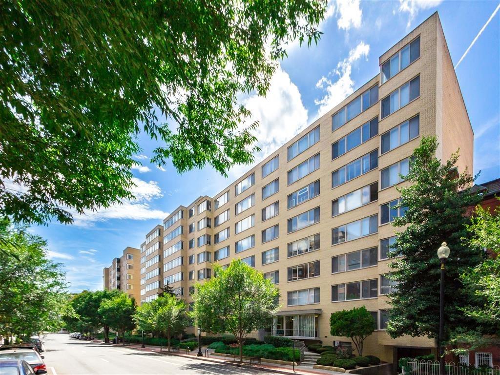 Brunswick-House-Apartments-Exterior-Building-Shot