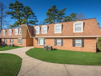 600 Ashbrook Ct. 2 Beds Apartment for Rent Photo Gallery 1