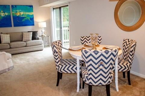 Livingroom dining room.