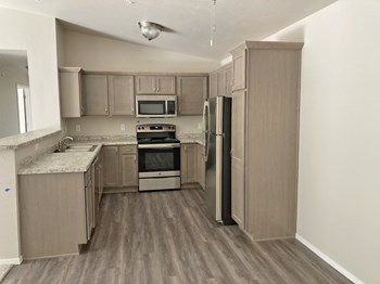 8925 Hilton Street 2 Beds Apartment for Rent Photo Gallery 1