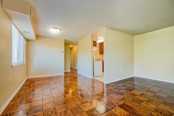 3600 Buckman Rd 3 Beds Apartment for Rent Photo Gallery 1