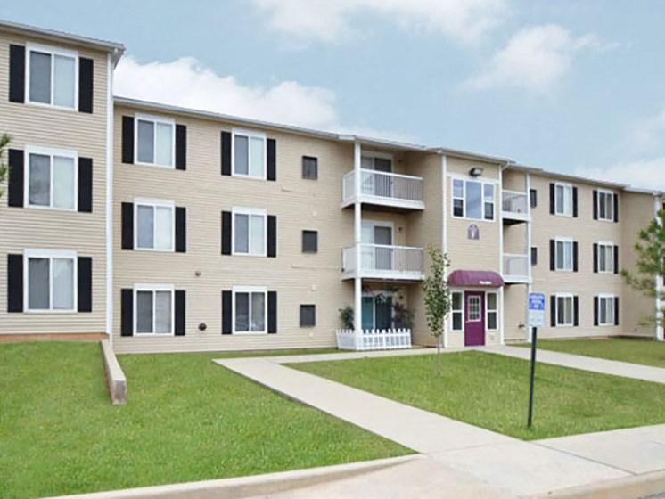 Elegant Exterior View Of Property at Walker Estates Apartments, Augusta, GA