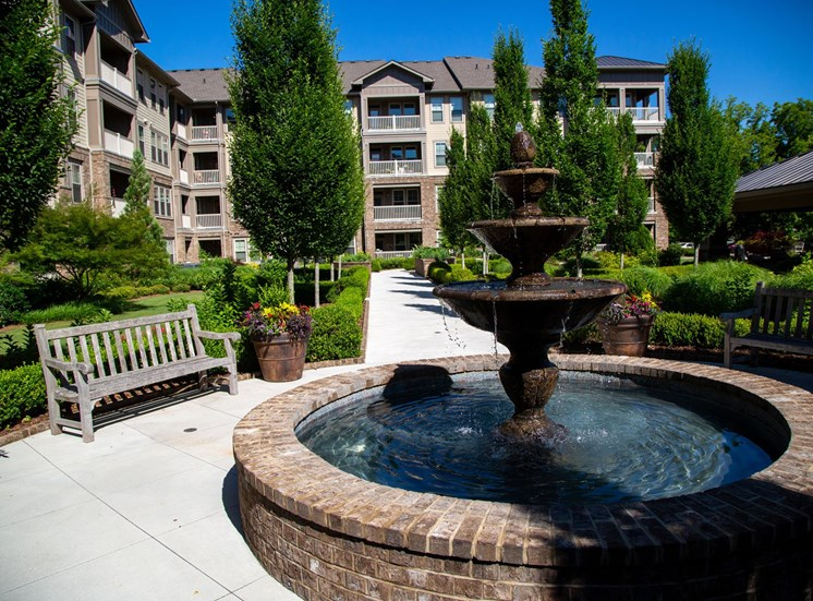 The Legacy at Walton Park Apartment Homes , Acworth GA Fountain Courtyard