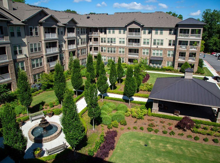 The Legacy at Walton Park Apartment Homes , Acworth GA Landscaped Courtyard