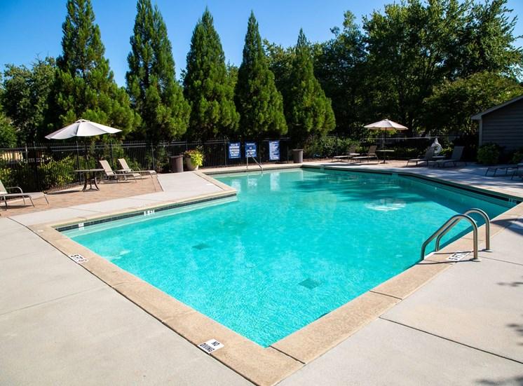 Walton Crossing Apartment Homes Swimming Pool