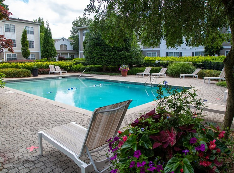 Walton Grove Apartment Homes, Smyrna GA Swimming Pool