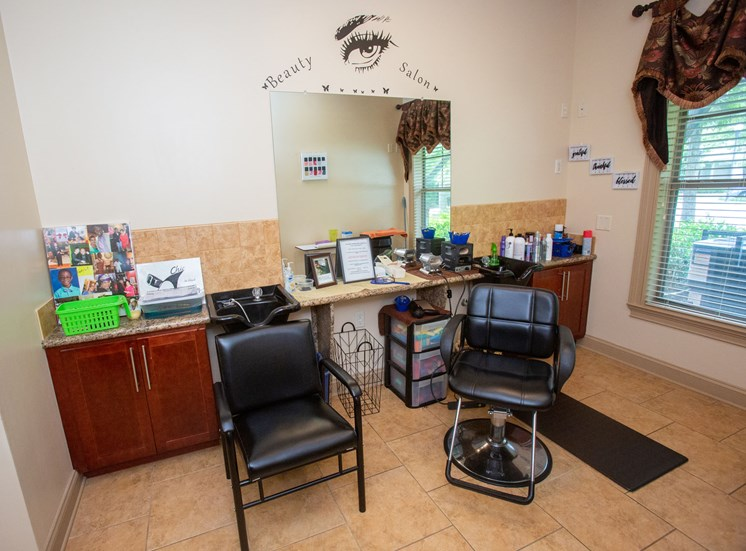 Legacy at Walton Lakes, Camp Creek Parkway Salon
