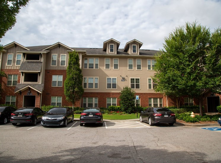 The Legacy at Walton Oaks Apartment Homes, Augusta GA Off-Street Parking