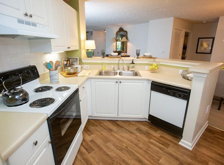 Walton Vinings Apartment Home Kitchen