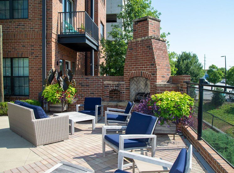 Walton Westside Apartment Homes Outdoor fireplace